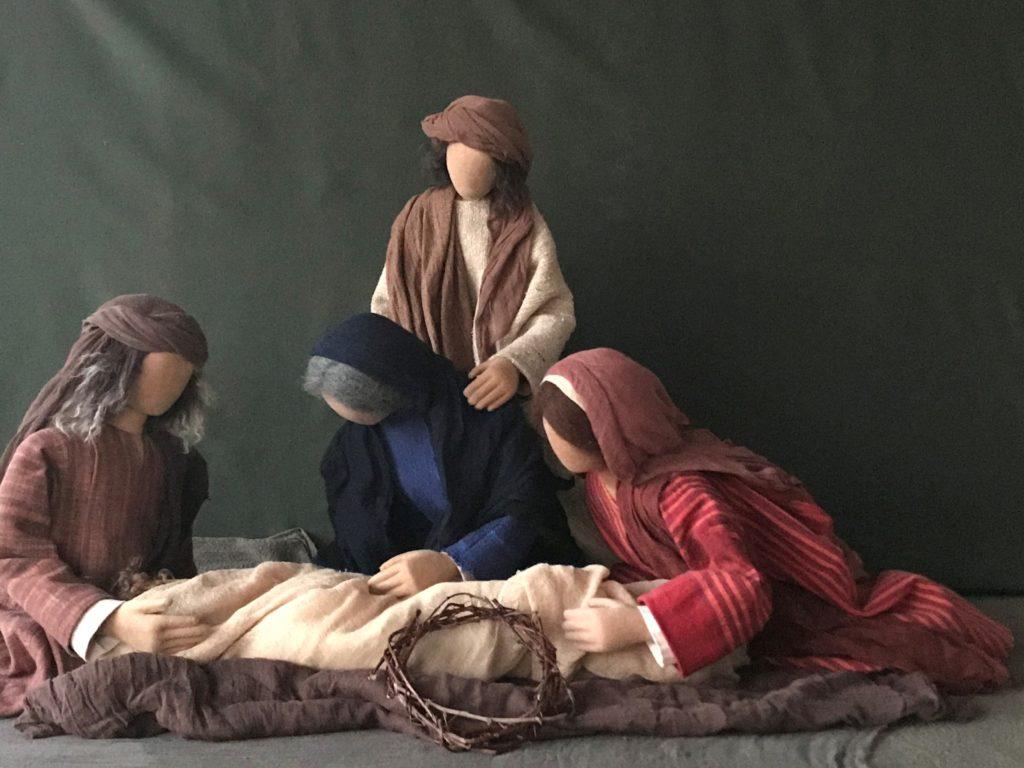 """Grablegung. Jesus wird ins Grab gelegt. Musik """"O Vos Omnes"""" von de Victoria."""