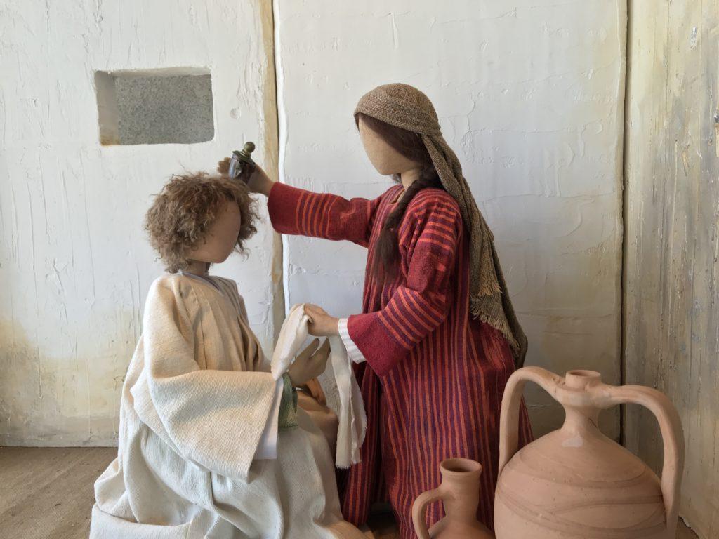 Salbung in Bethanien. Eine Frau giesst kostbares Öl auf das Haupt von Jesus. Die Jünger murren. Sie hat ein gutes Werk an mir getan. Musik von Schütz.